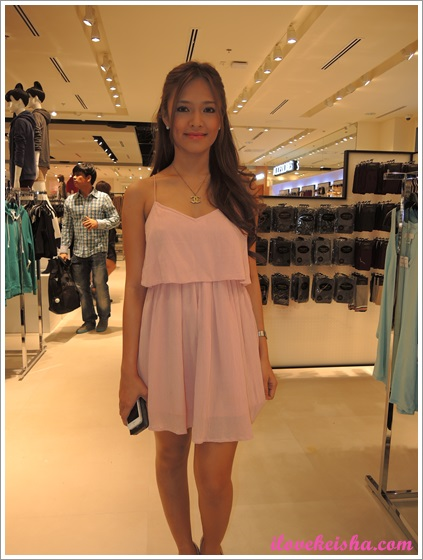Bangs Garcia at Forever 21 SM Southmall Opening