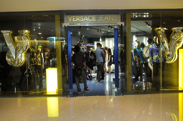 Versace Jeans at Shangri-la Plaza Mall