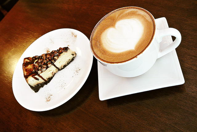 ultimate-turtle-cheesecake-makes-for-a-perfect-pairing-with-coffee-latte